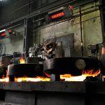 Der Hellstrahler primoSchwank der Marke Schwank in einer Stahlbrennerei.