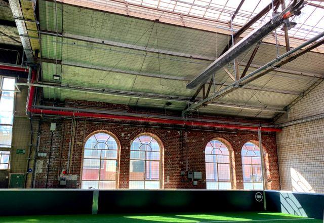 Schwank beheizt und kühlt die Straßenkicker Base, Soccerhalle von Lukas Podolski in Köln.